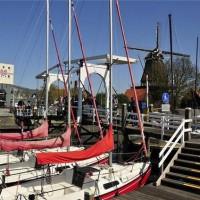 Bedrijfsuitje naar visserstad Harderwijk aan het Wolderwijd en de Veluwe. Met de Segway door de oude stad, gerookte paling eten, event. aan te vullen met botter varen.